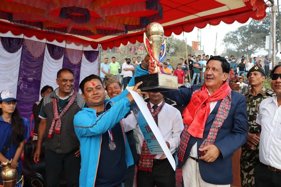 Chandragirinews naikap-gold-cup-final-2074-9 दोश्रो संस्करणको नैकाप गोल्डकप २०७४ - च.न.पा.१५ ढुंगेअड्डा युनेश्कोले ट्रफी सहित नगद रु.२,२५,०००!- हात पार्यो खेलकुद नैकाप नयाँ भन्ज्यांग नैकाप पुरानो भन्ज्यांग ब्रेकिंग न्युज मुख्य    chandragiri