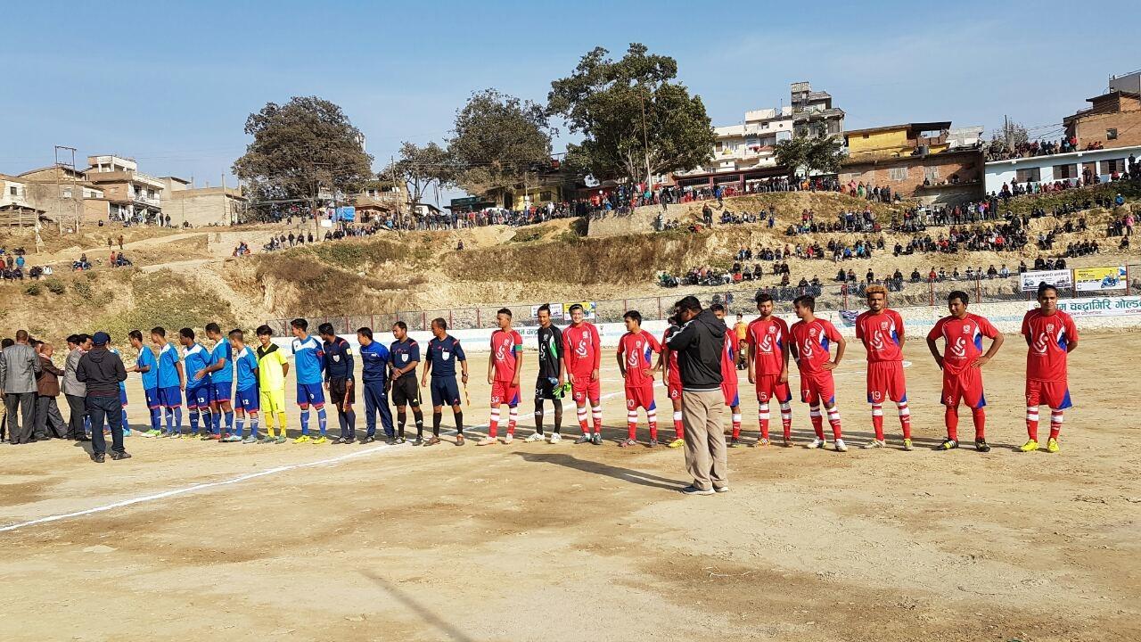 Chandragirinews IMG-81e609f7e14a6d1d5087d3b58682c4d4-V बाईट युथ क्लबद्वारा आयोजित प्रथम चन्द्रागिरी गोल्डकप -२०७४, पहिलो खेलमा फ्रेन्डस क्लबको जित खेलकुद नैकाप नयाँ भन्ज्यांग नैकाप पुरानो भन्ज्यांग    chandragiri