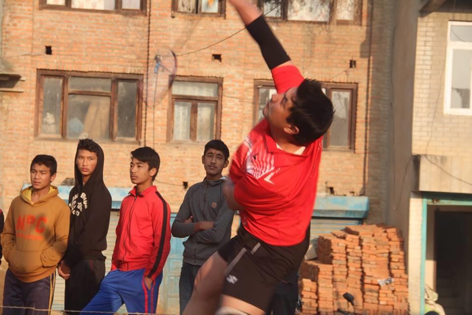 Chandragirinews boshigaun-badminton-semifinal-9 प्रथम बोसीगाउ खुल्ला पुरुष डबल्स ब्याडमिन्टन  प्रतियोगिता,  आचार्य, श्रेष्ठको  जोडी र कटवाल, बोहराको  जोडी उपाधीका लागि भिड्दै खेलकुद बोसिंगाउँ    chandragiri