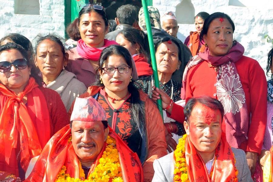 Chandragirinews rajendra-kc-chandragirinews-14 काठमाण्डाै क्षेत्र नं. १० प्रतिनिधिसभा मा विजय नेपाली काँग्रेसका उमेद्वार राजन केसी र प्रदेशसभा १० 'क' मा विजय उमेद्वार पुकार महर्जन तथा समर्थकहरू । किसीपिँडी तीनथाना थानकोट दहचोक नगरपालिका निर्वाचन नैकाप नयाँ भन्ज्यांग नैकाप पुरानो भन्ज्यांग बलम्बु बाद भन्ज्यांग बोसिंगाउँ ब्रेकिंग न्युज मछेगाउँ महादेव स्थान मातातिर्थ राजनीति लंकोट वडा सतुंगल    chandragiri