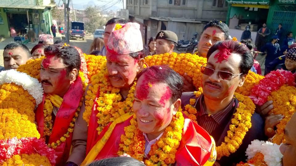 Chandragirinews rajendra-kc-chandragirinews-21 काठमाण्डाै क्षेत्र नं. १० प्रतिनिधिसभा मा विजय नेपाली काँग्रेसका उमेद्वार राजन केसी र प्रदेशसभा १० 'क' मा विजय उमेद्वार पुकार महर्जन तथा समर्थकहरू । किसीपिँडी तीनथाना थानकोट दहचोक नगरपालिका निर्वाचन नैकाप नयाँ भन्ज्यांग नैकाप पुरानो भन्ज्यांग बलम्बु बाद भन्ज्यांग बोसिंगाउँ ब्रेकिंग न्युज मछेगाउँ महादेव स्थान मातातिर्थ राजनीति लंकोट वडा सतुंगल    chandragiri