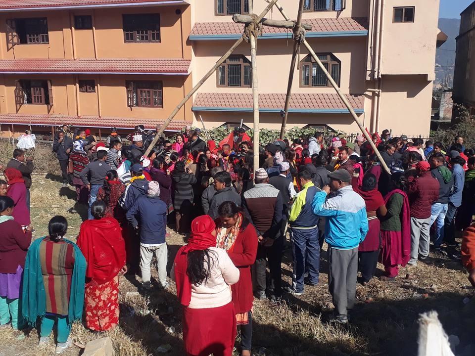 Chandragirinews uml-23 काठमाण्डाै क्षेत्र नं. १० प्रदेश ख मा विजयी  बाम गठबन्धनकी उम्मेदवार रमा अालेमगर तथा समर्थकहरू । किसीपिँडी तीनथाना थानकोट दहचोक नैकाप नयाँ भन्ज्यांग नैकाप पुरानो भन्ज्यांग बलम्बु बाद भन्ज्यांग बोसिंगाउँ मछेगाउँ महादेव स्थान मातातिर्थ मुख्य राजनीति लंकोट सतुंगल    chandragiri, chandragiri news, chandragiri hills, chandragiri cabel car, thankot, satungal, naikap, balambu, matatirtha