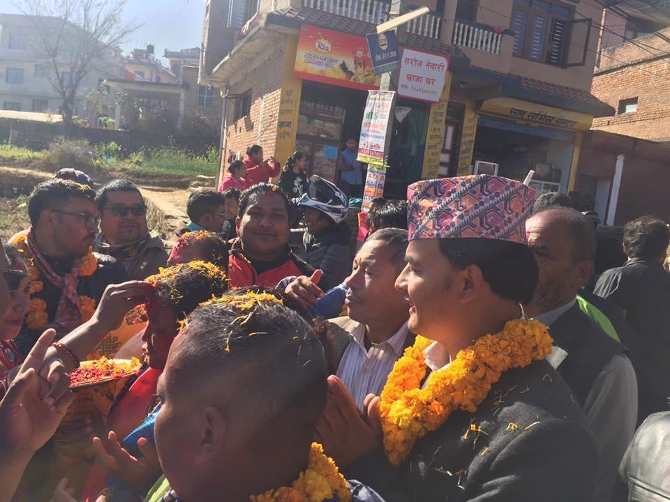 Chandragirinews uml-9 काठमाण्डाै क्षेत्र नं. १० प्रदेश ख मा विजयी  बाम गठबन्धनकी उम्मेदवार रमा अालेमगर तथा समर्थकहरू । किसीपिँडी तीनथाना थानकोट दहचोक नैकाप नयाँ भन्ज्यांग नैकाप पुरानो भन्ज्यांग बलम्बु बाद भन्ज्यांग बोसिंगाउँ मछेगाउँ महादेव स्थान मातातिर्थ मुख्य राजनीति लंकोट सतुंगल    chandragiri, chandragiri news, chandragiri hills, chandragiri cabel car, thankot, satungal, naikap, balambu, matatirtha