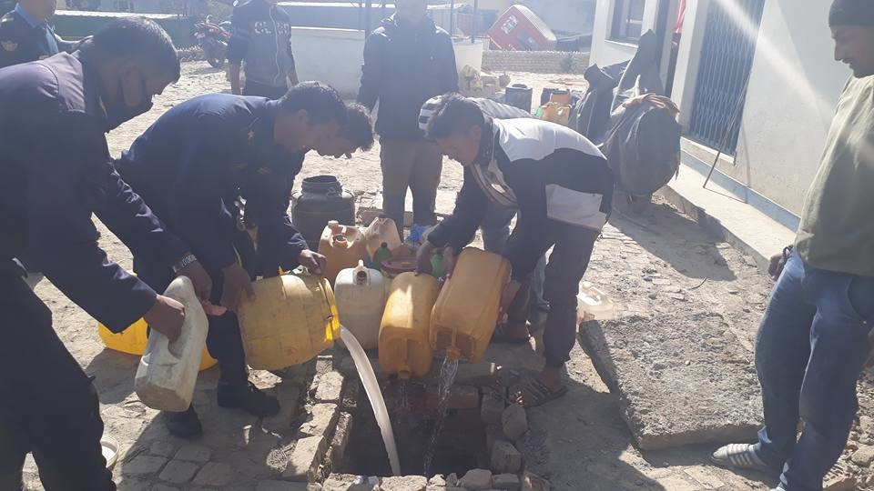 Chandragirinews alcohol2 ३ हजार लिटर घरेलु मदिरा नष्ट अपराध बलम्बु ब्रेकिंग न्युज    chandragiri