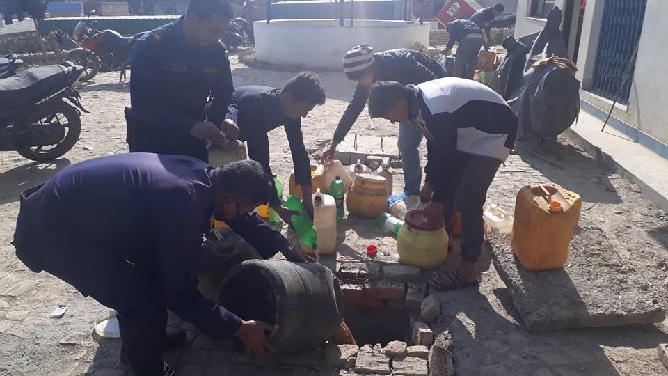 Chandragirinews alcohol4 ३ हजार लिटर घरेलु मदिरा नष्ट अपराध बलम्बु ब्रेकिंग न्युज    chandragiri