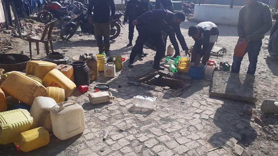Chandragirinews alcohol6 ३ हजार लिटर घरेलु मदिरा नष्ट अपराध बलम्बु ब्रेकिंग न्युज    chandragiri