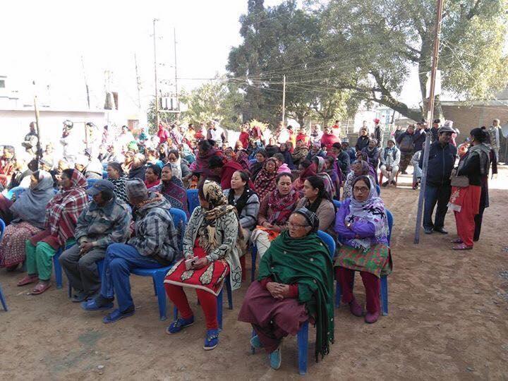 Chandragirinews 4 ३ नं. प्रदेश सभासद रमा आलेमगरबाट विपन्न परिवारलाई बल्यङ्गकेट वितरण ब्रेकिंग न्युज महादेव स्थान    chandragiri
